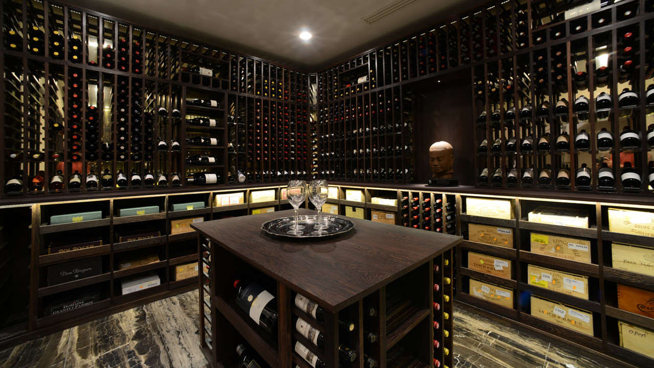 Wine cellar made with wenge and acrylic for Wine cellar layout