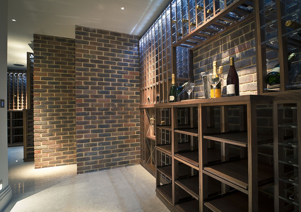 Wine cellar made with walnut carlo garn for Wine cellar layout